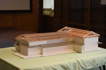 来年7月開館予定の子ども本施設の模型