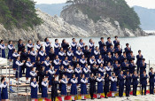 鎮魂の祈り 歌に乗せて 県内3高校、浄土ケ浜まつりで合唱