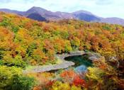 栗駒国定公園・焼石連峰(奥州市)=10月18日8時40分~