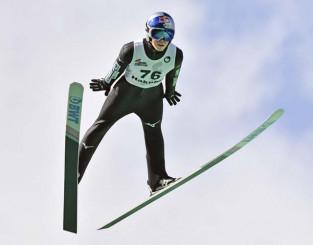 男子ノーマルヒルで6位の小林陵侑=白馬ジャンプ競技場