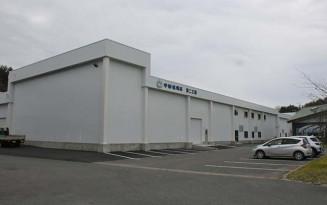 本社社屋隣に増設される第2工場。1日当たりの生産量を2割増の60万枚に拡大する=久慈市長内町