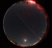 捉えた、ISSの軌跡 花巻の天文サークル、星の喫茶室