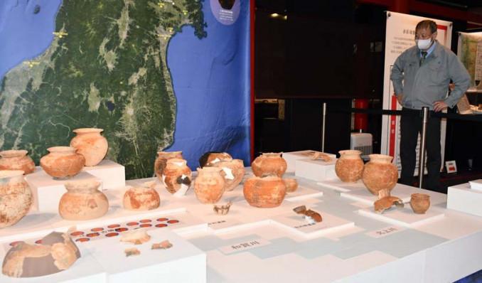 赤彩球胴甕を通して38年戦争の実態に迫る北上市立博物館の特別展