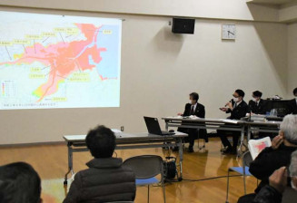 市中心部の広範囲に及ぶ浸水想定が示された市民説明会