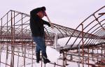 あすから内陸中心に大雪の恐れ 県南部、農家が警戒