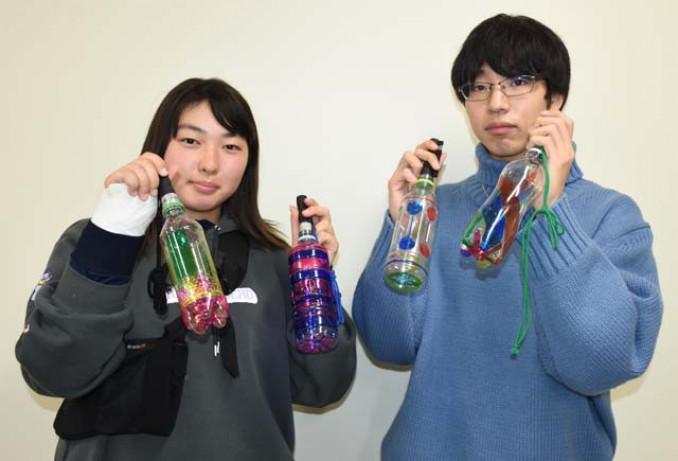 住民総参加での作製を目指すペットボトル灯籠。越喜来の思いを光に託す