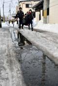 盛岡の除雪難儀 路面凸凹 例年より降雪多く低温、費用膨らむ