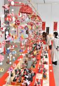 表情愛らし ひなまつり 釜石で手作り人形展