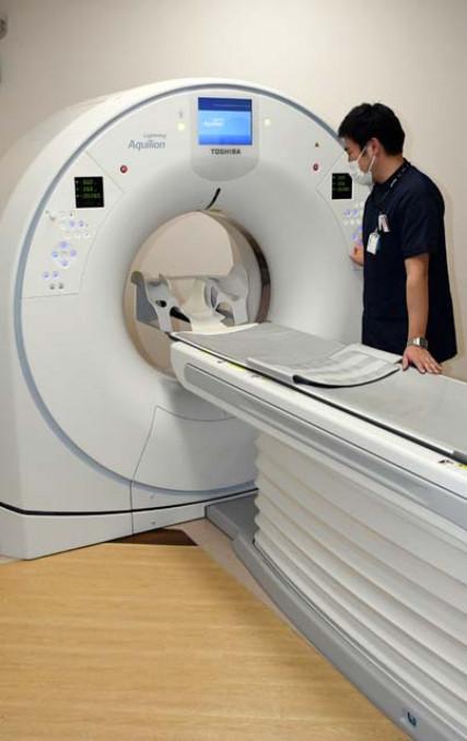 県予防医学協会のCT装置。技師らの高い技術で低線量検査を実現している