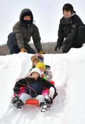 思いっきり雪遊び 二戸・若者有志がフェス開催