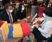 これぞ岩手の工芸品 盛岡で県商談会、事業者らアピール