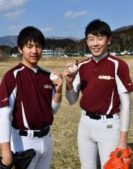 「甲子園で登板して大船渡を元気にしたい」と意気込む仁田陽翔さん(左)と北條慎治さん