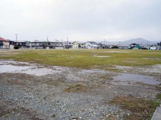 宅地や業務用地の開発方針が示された旧矢巾中跡地