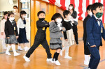 希望の一歩、笑顔満開 県内小学校の入学式ピーク
