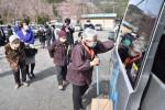 高齢者の期待乗せ出発 陸前高田、市中心部への送迎開始