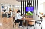カフェを併設、薬局が憩いの場に 北上、新店舗オープン