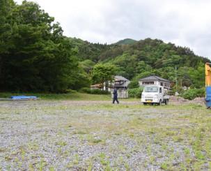 盛川漁協が稚魚を育てる中間育成施設の整備予定地=大船渡市