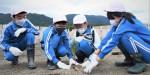 防潮林の再生願い植樹 大船渡・吉浜で児童