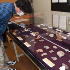 縄文遺跡から出土した土偶や動物形土製品