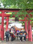 馬コと行進、来年こそ 滝沢・鬼越蒼前神社、馬主有志が参拝
