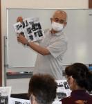 シニアが支える学び 一関の男性、老人クラブで紙芝居や講話