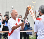 北の鉄人 懐かしの道 森重隆さん、釜石で五輪聖火リレー参加