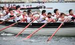 水上ぐんぐん 力合わせ 宮古港カッターレース、10チーム熱戦