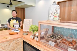 「カフェいちのへ日和」を開店する荒内雅美さん