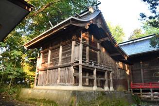 老朽化のため初めての解体復元工事を行う金ケ崎神社の本殿