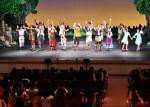 歌と踊り 観客を魅了 劇団四季新作、宮古で本県の公演開始