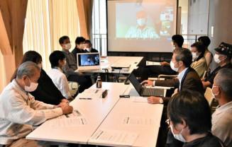 震災伝承の在り方について意見を交わす参加者