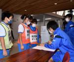避難所運営、私たちも 釜石東中と鵜住居小、合同訓練で確認