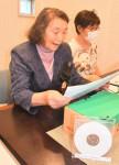 声の広報、便利なCD化 奥州・江刺の朗読ボランティア団体