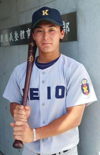 「チームに勢いをもたらしたい」と意気込む慶大の小原和樹=横浜市・慶大野球部合宿所