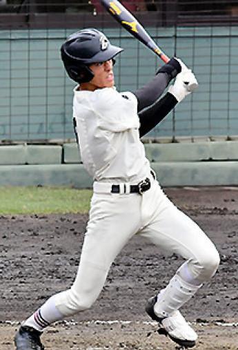一関学院―八戸学院光星 7回表一関学院2死二、三塁、幸田が左越え2点二塁打を放ち、2―3と追い上げる=福島市・県営あづま球場