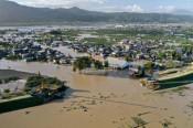 台風被災地で救助や捜索続く