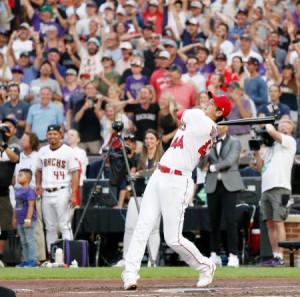 米大リーグ、オールスター戦前日恒例の本塁打競争に日本選手初出場を果たしたエンゼルスの大谷翔平=12日、デンバー(共同)