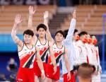 日本、体操男子団体「銀」