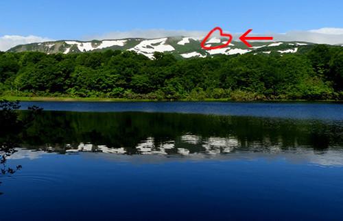横岳のハート雪形(中沼から)